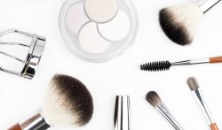 Business headshot photoshoot makeup at home for women